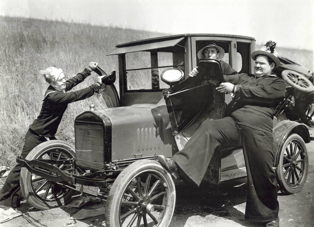 Laurel-_-Hardy-TWO-TARS