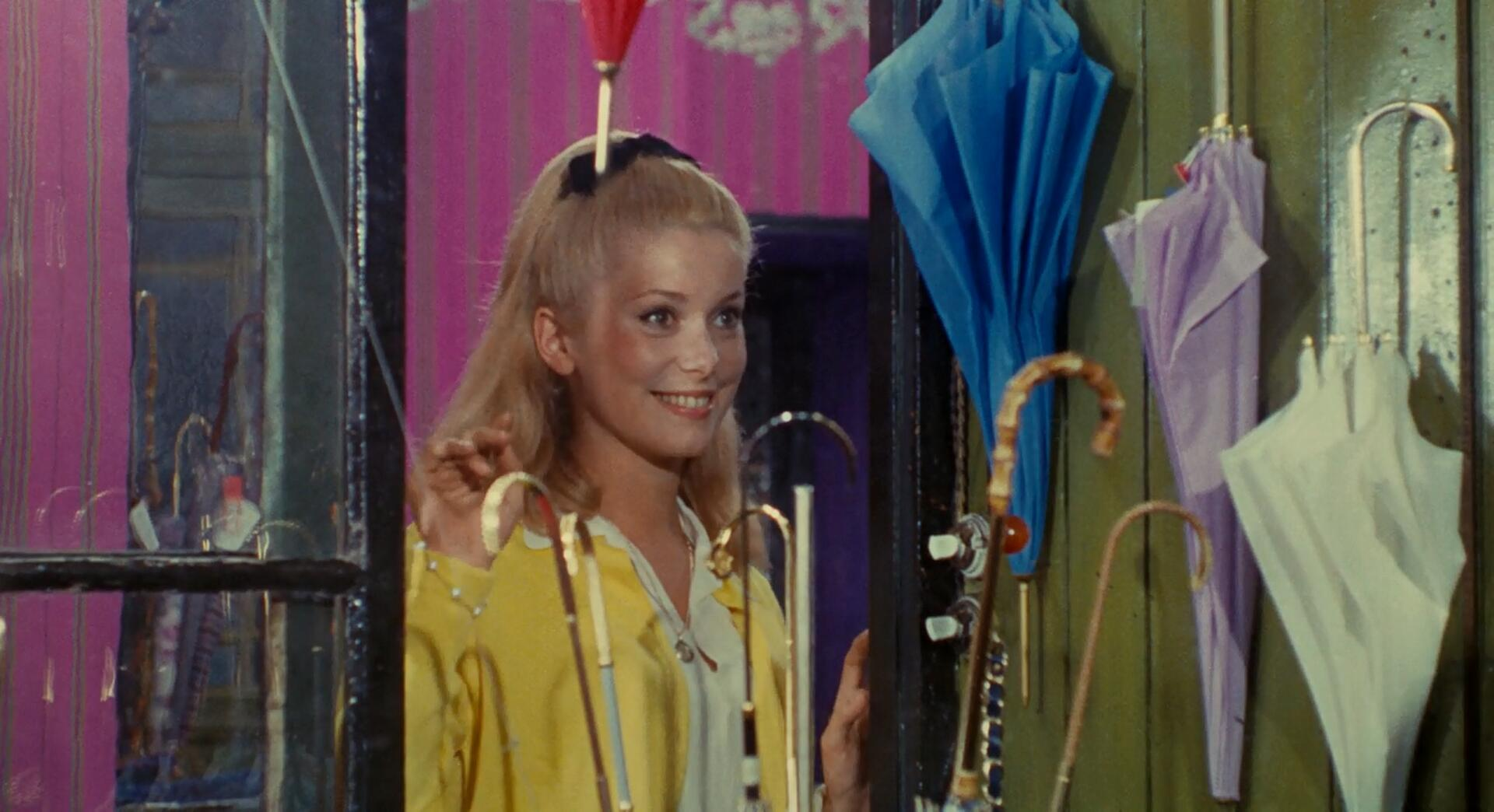 The-Umbrellas-of-Cherbourg-2